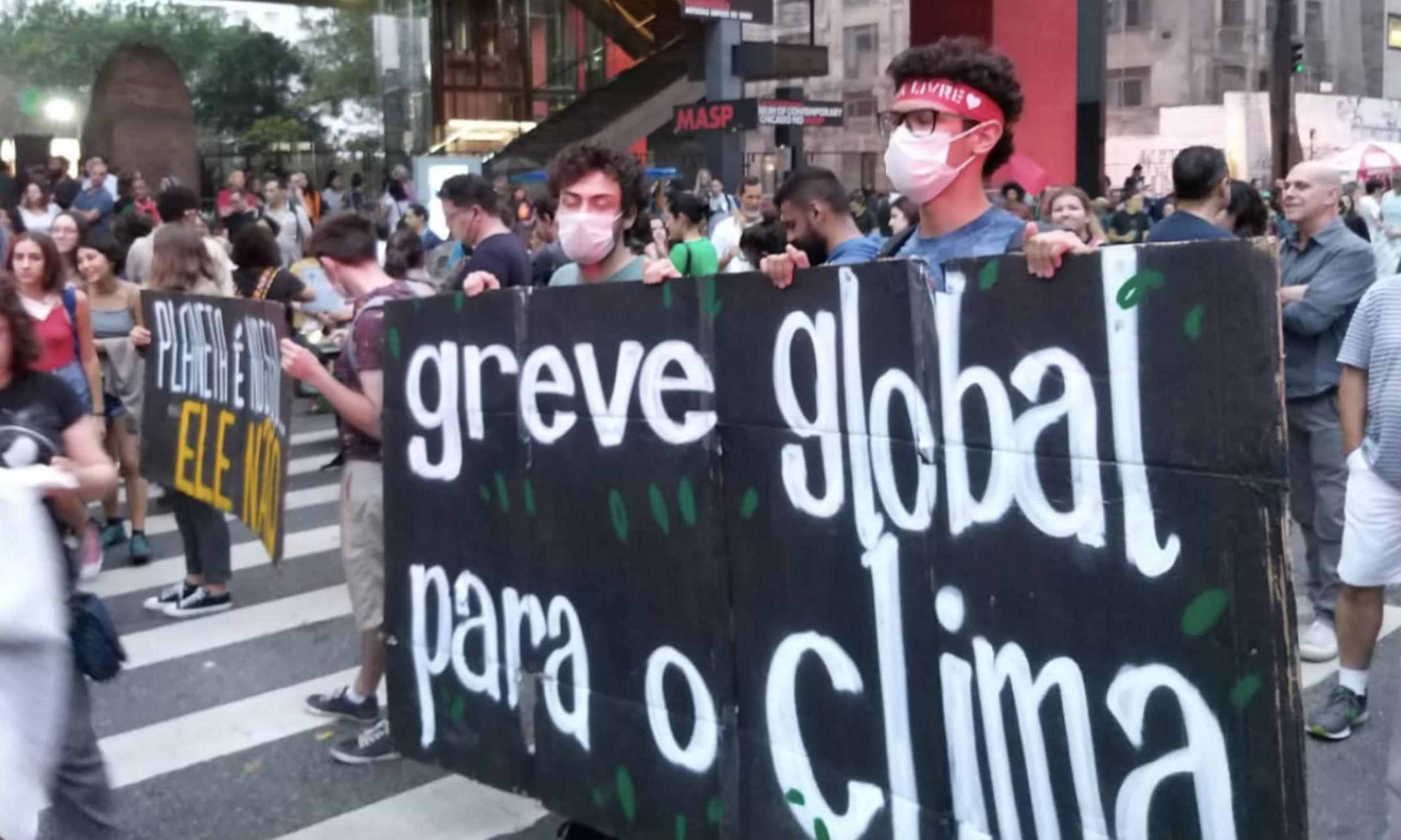 Protesto em defesa do meio ambiente, na Avenida Paulista, em São Paulo. (Crédito: Yahisbel Adames/Change.org)
